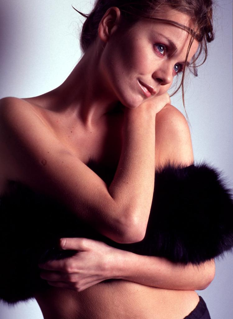 Monika Krzywkowska, aktorka